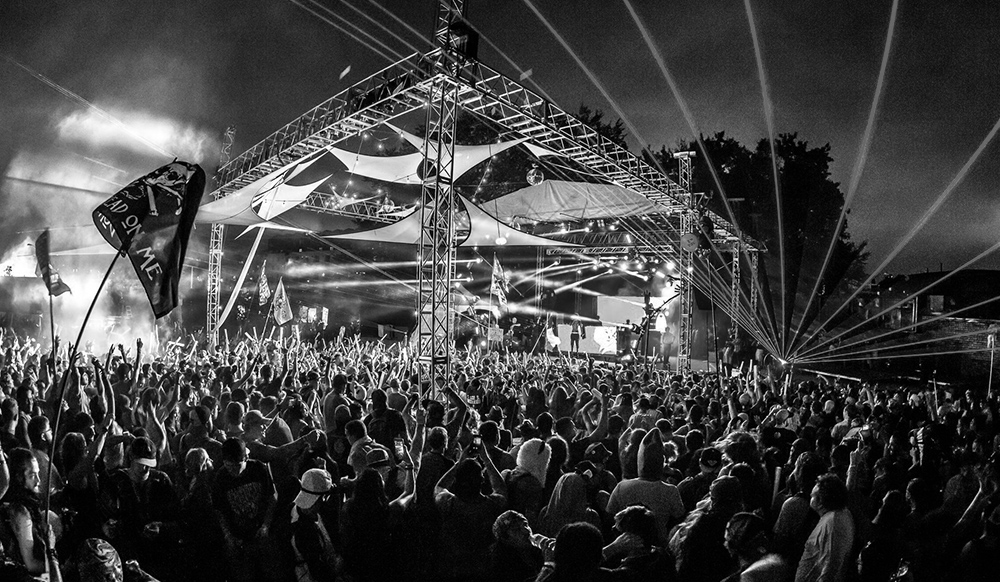 Woman sues Imagine Music Festival after being dragged by car