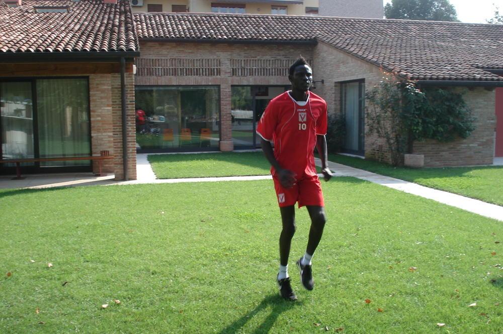 Youssou Lo