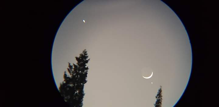 The planets are seen with the crescent moon in the skies of Quetta, Pakistan (Credit: ‎Muhammad Saleem Bin Akram)