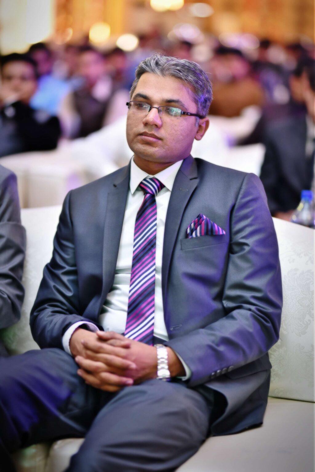 Dr Mohsin Khurshid