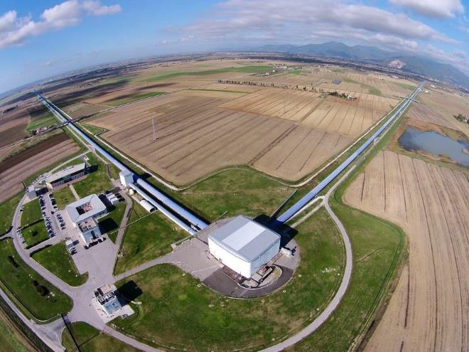 An aerial view of the Virgo interferometer near Pisa, Italy. Credit: The Virgo collaboration/CCO 1.0