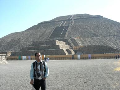 Bibhu Dev Misra at Pyramid of the Sun, Teotihuacan, Mexico
