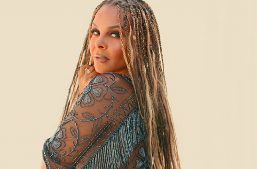 Samantha Mumba releases her first single in 6 years