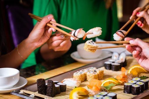 การส่งเสียงขณะรับประทานอาหารของคนญี่ปุ่น