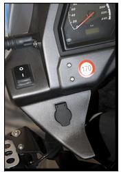 Aprilia Caponord ETV1000 Rally-Raid aux 12V power socket DIN ISO 4165