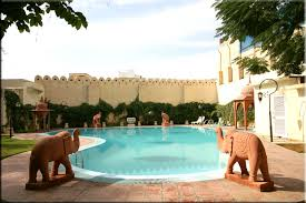 Ashtanga-Yoga-Dubai-Rajasthani_Yoga_adventure