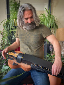 Neil Campbell playing the Gateway Gurdy | Hurdy Gurdy