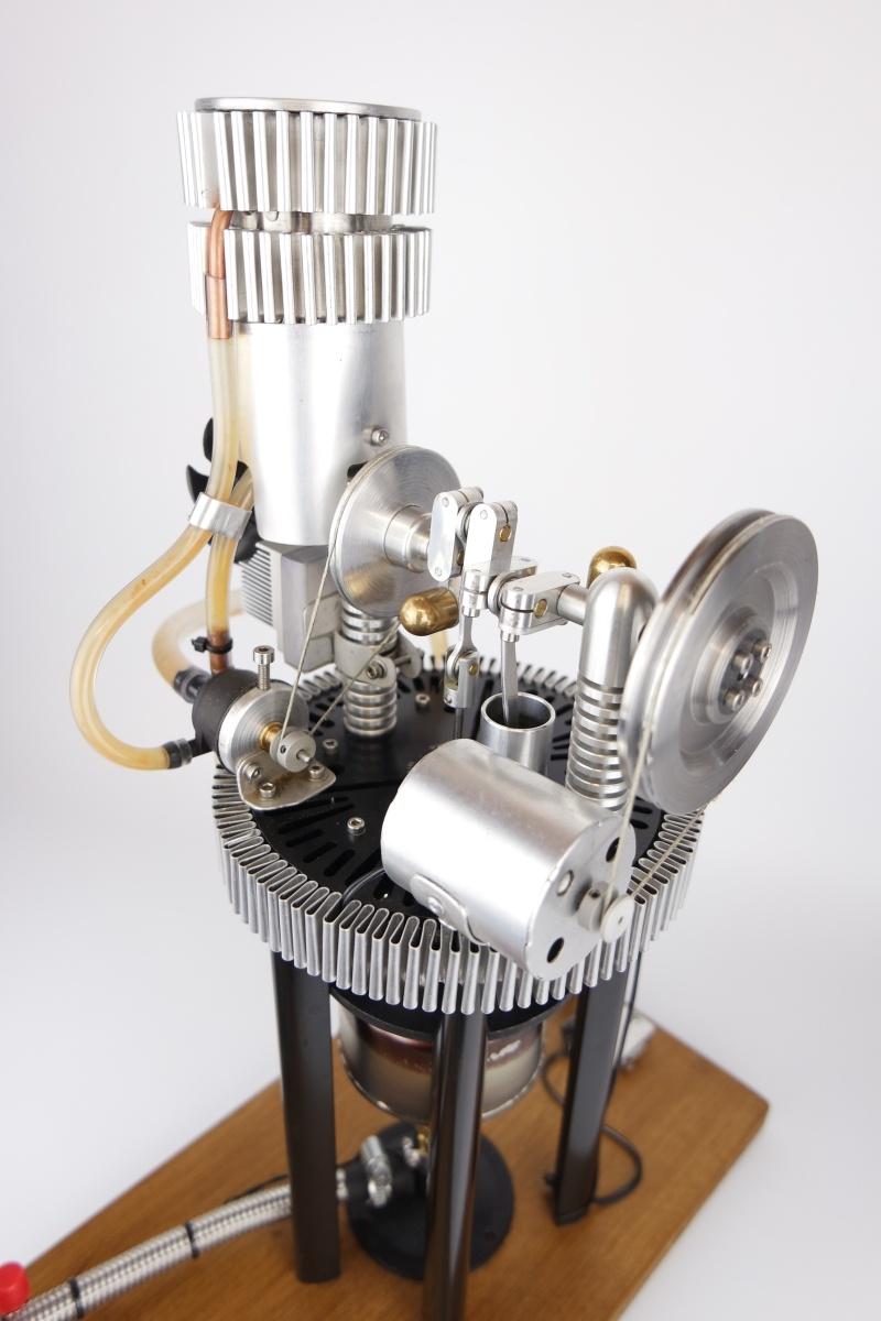 Water cooled Stirling engine generator