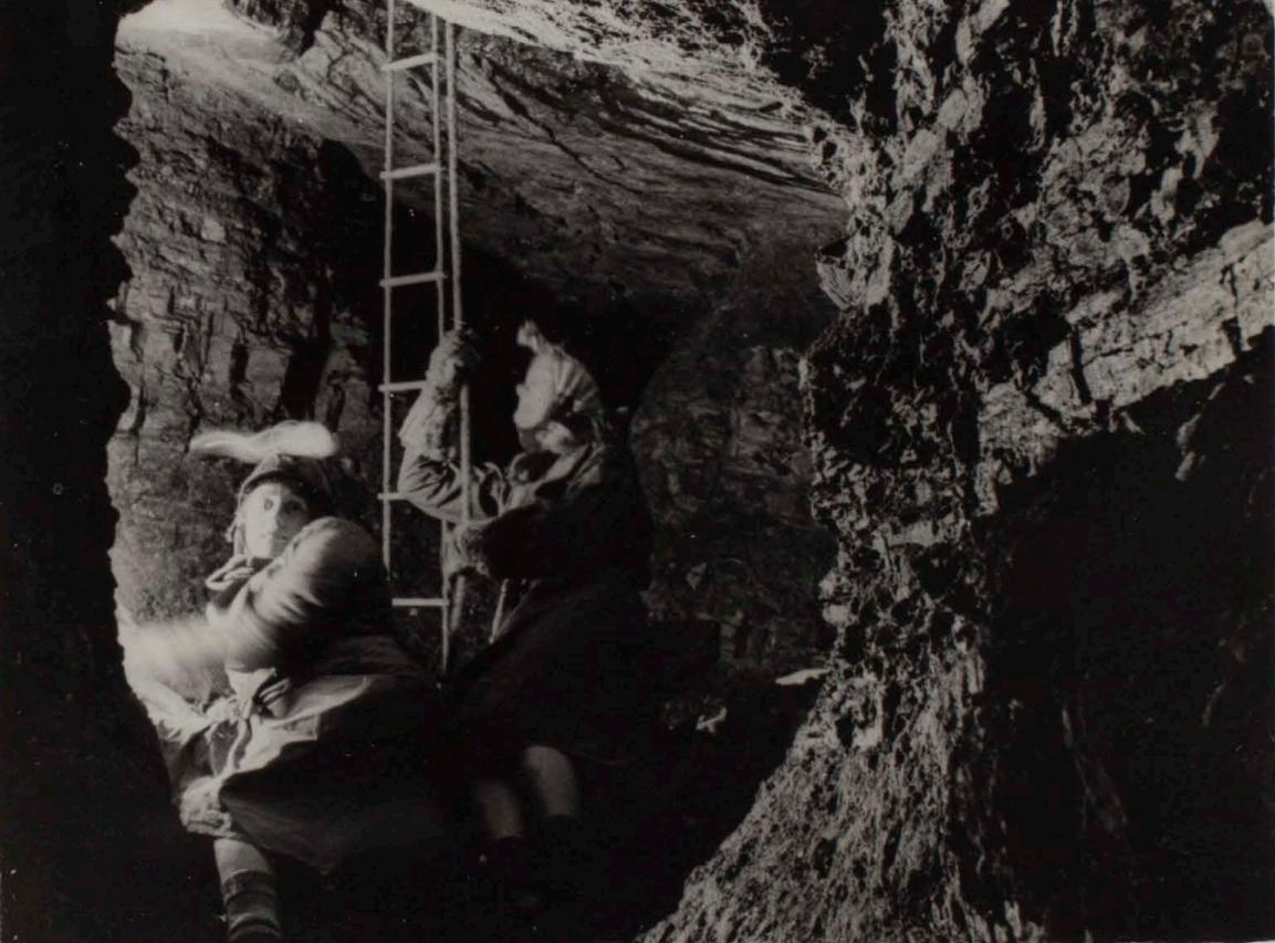 1940's underground pic