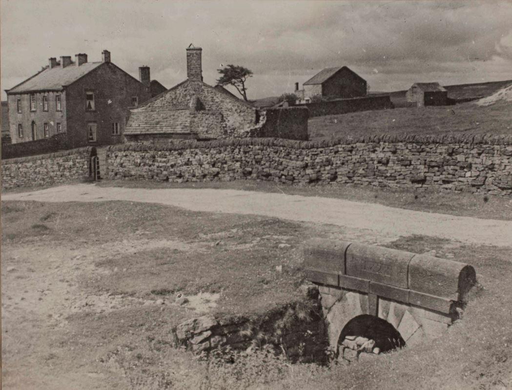 Yarnbury - Image by Arthur Raistrick