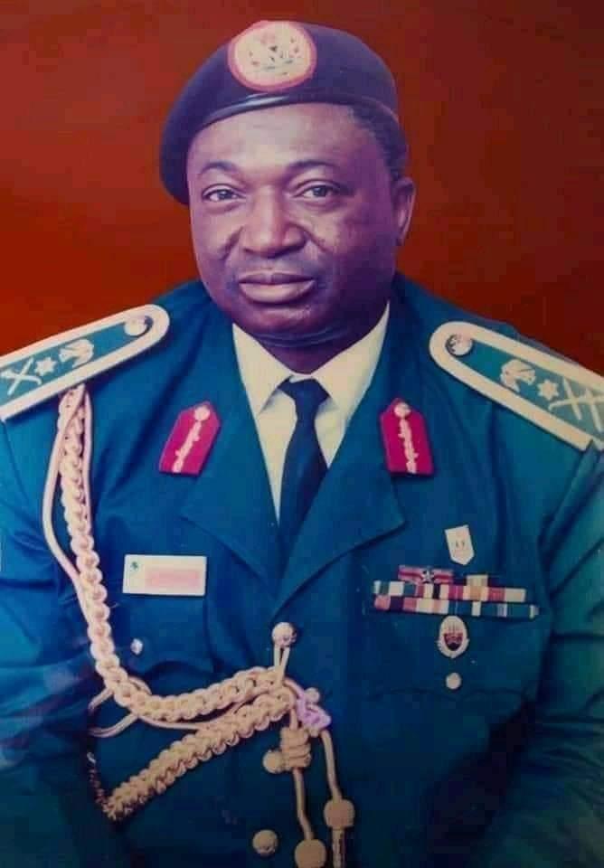 Alhaji Dr Danladi Pasali condoles with the family of Late Lt Gen. Nimyel Joshua Dogoyaro