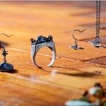 Estos anillos y pendientes estan inspirados en los Ohmu de Nausicaa
