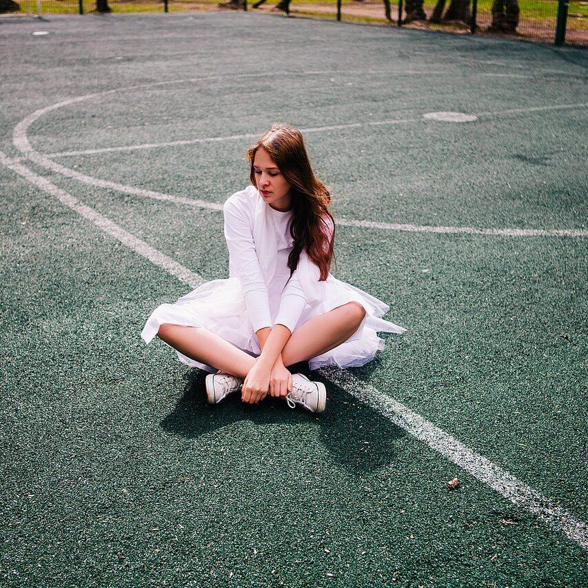 tennis court, girl, ballet