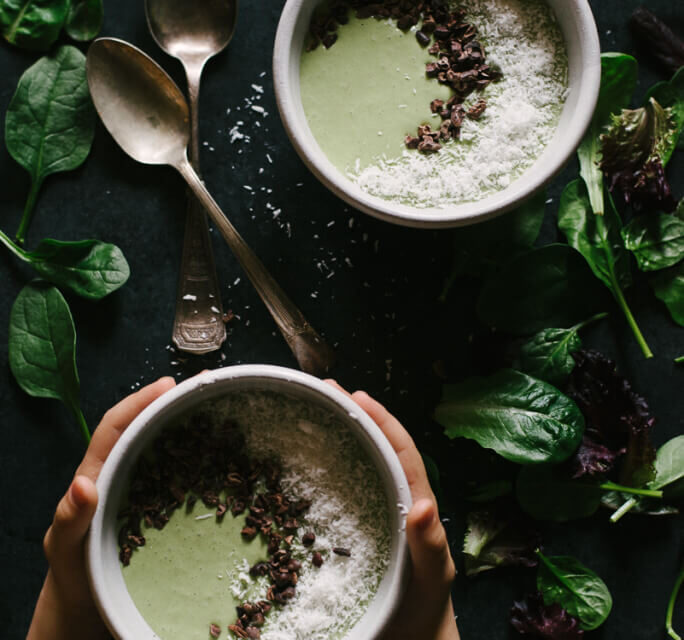 CHOCOLATE NUT BUTTER BANANA GREEN SMOOTHIE BOWL