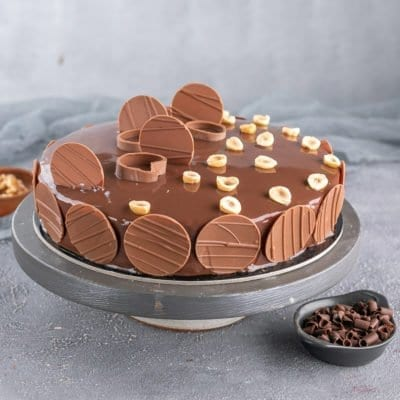 Anniversary Cake to Dubai