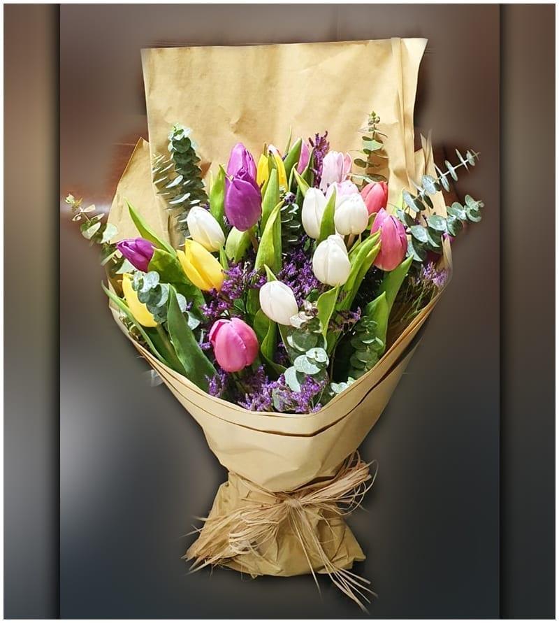 Tulips flower to Dubai