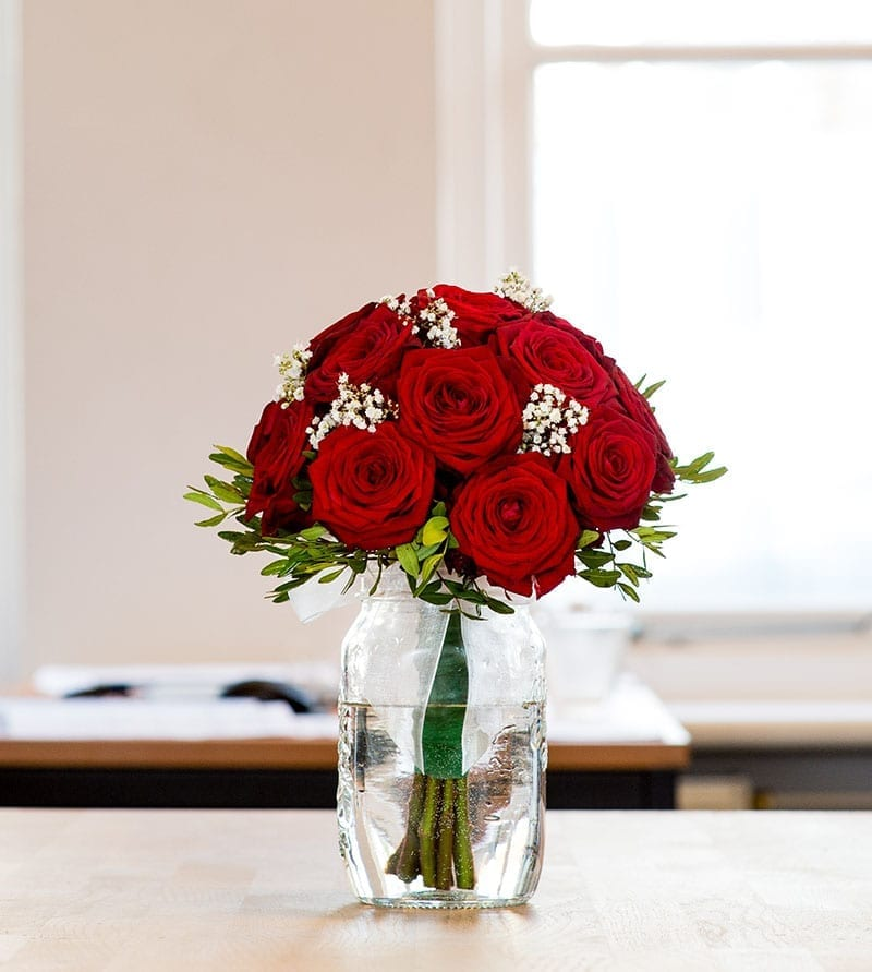 Anniversary Flowers delivery Dubai