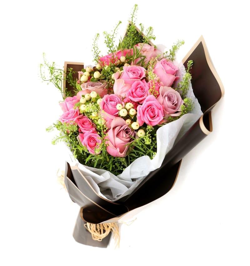 Valentine Flower Delivery ajman
