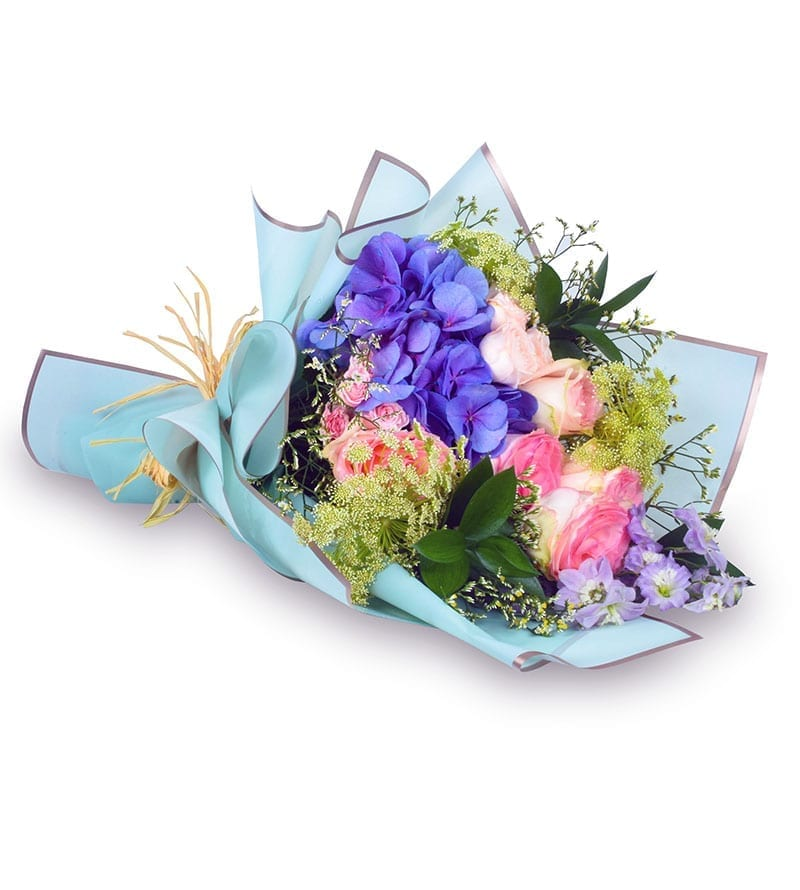 Online Valentine day flower delivery Sharjah