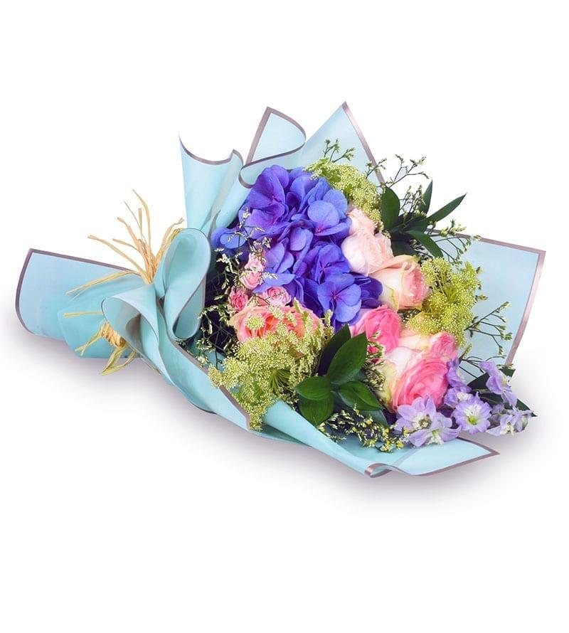 Online Valentine day flower delivery Sharjah