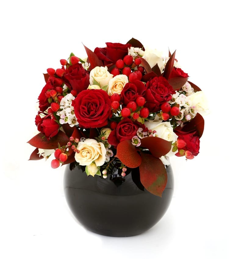 Send Anniversary Flowers to Ajman