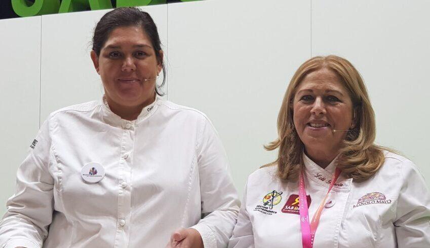 Celia Jiménez y Loli Rincón presentando un showcooking.