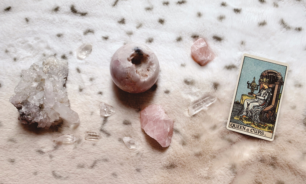 Queen of Cups Love Tarot Meaning