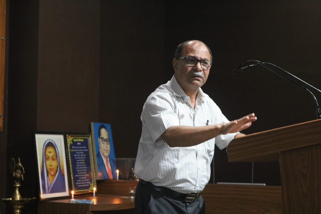 Dr. Vivek Korde giving speech