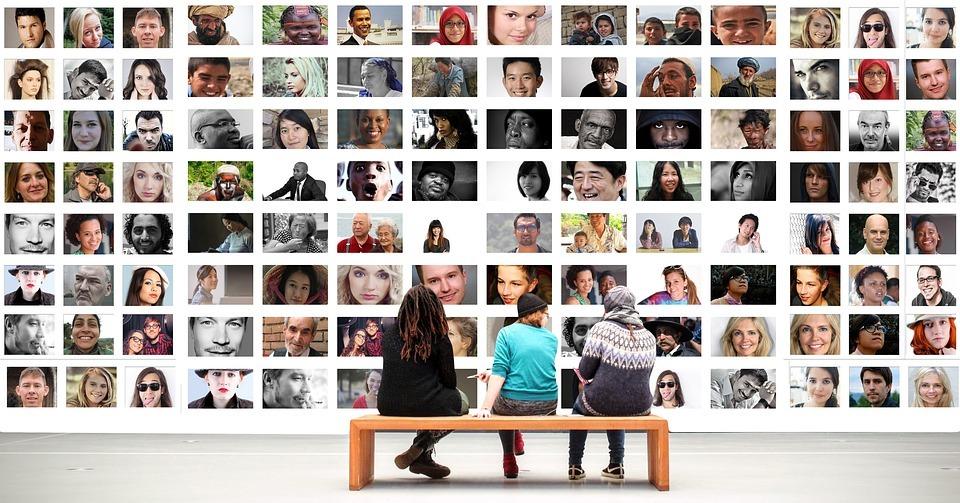 importance of multilingual social media