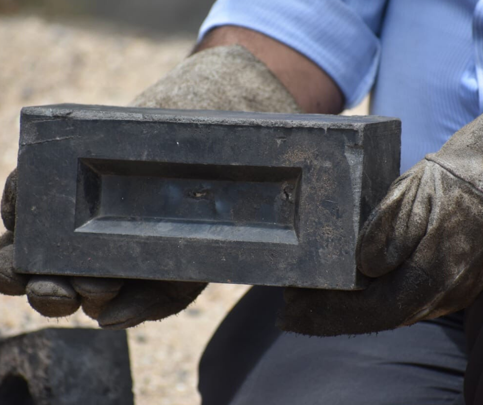 Best from Waste: Bricks made from Plastic waste