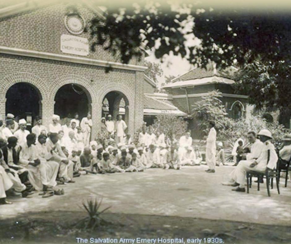 1874માં ગુજરાતમાં પ્રથમ તબીબી સેવાઓનો પ્રારંભ એક મિશનરી મહિલાએ કરાવેલો. મિશનરીઓએ આધુનિક મેડિકલ ટ્રીટમેન્ટનું પારણું ચરોતરમાં બાંધ્યું હતું. તમને ખબર છે, ચરોતરમાં પહેલું 'દવાખાનું' ક્યાં અને કોણે ખોલ્યું હતું?