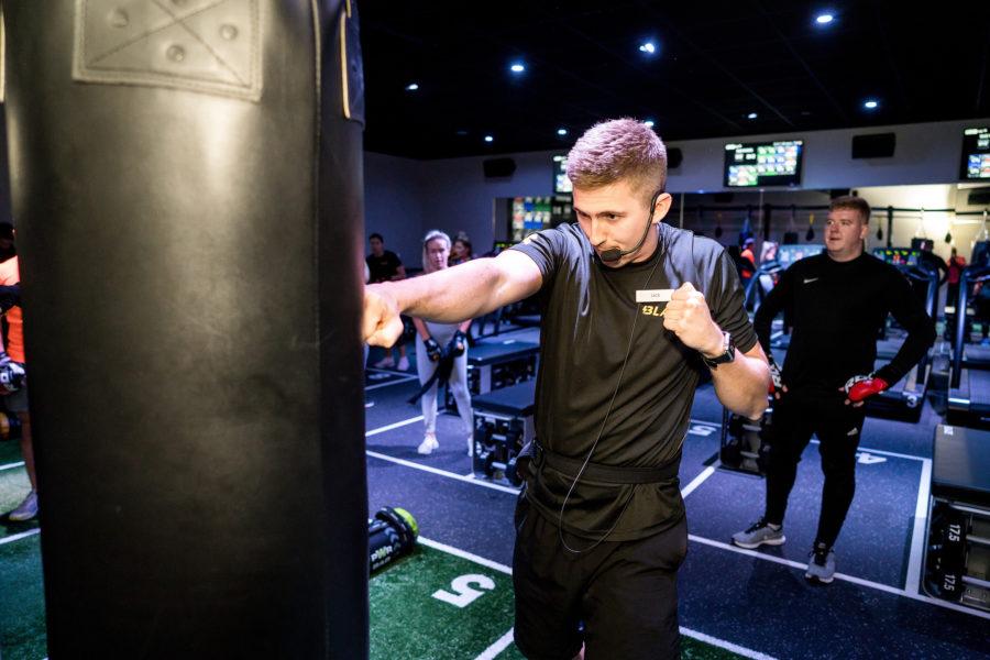 PT demonstrates combat exercise