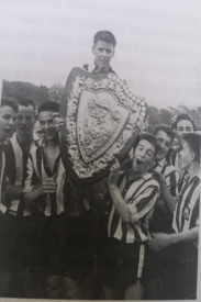 Lex Gold Lifting the 1959 Scottish Schoolboy Shield