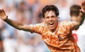 Marco Van Basten Celebrating