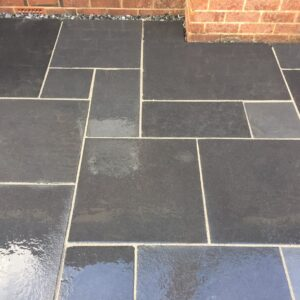 Black Limestone - Brushed & Tumbled 20m² Project Pack