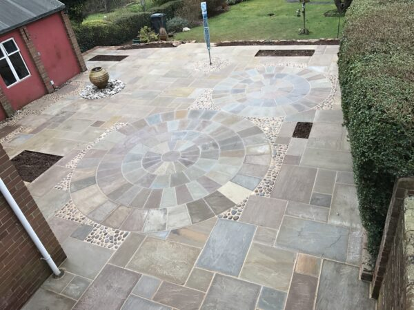 Raj-Stone_Circles-Mulberry_Landscaping-www.johnmulberrylandscaping.com