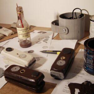 Handwerk is  een middel is tot zelfverwezenlijking, het maken van dingen is een diepgewortelde drang van de mens is: ik maak dus ik ben.
