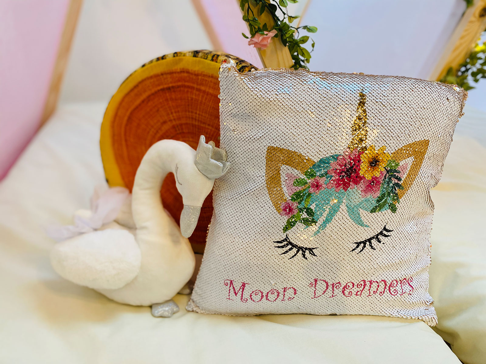 Luxury Glampovers & Children's Sleepover| Moon Dreamers