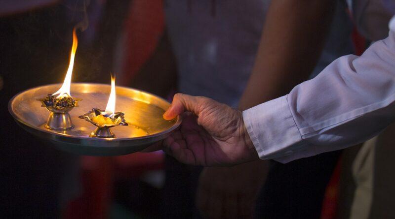 गोवर्धन पूजा क्या है मान्यता, गोवर्धन पूजा की विधि, क्या है पूजा का शुभ समय