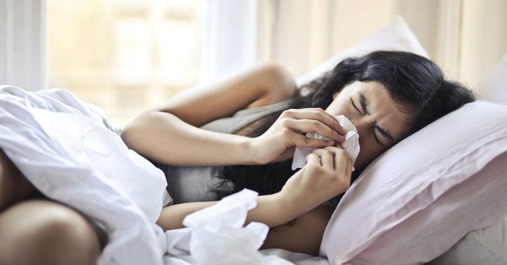 difference between a seasonal allergies and coronavirus