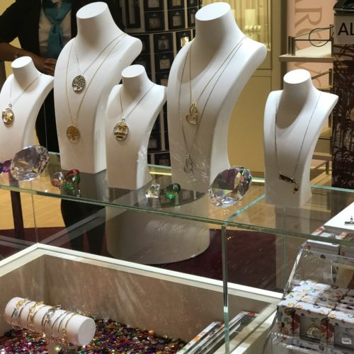 The Fun Shops On The Carnival Horizon: Shopping Experiences Taken To New Heights On The High Seas!