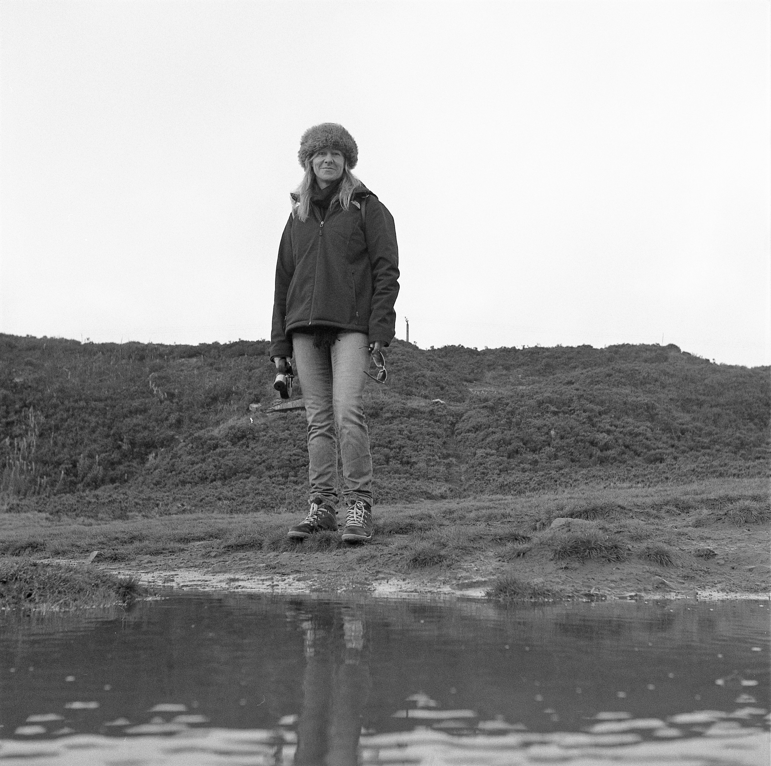 yashica 635 tlr ilford HP5 yorkshire moors woman pond portrait hat