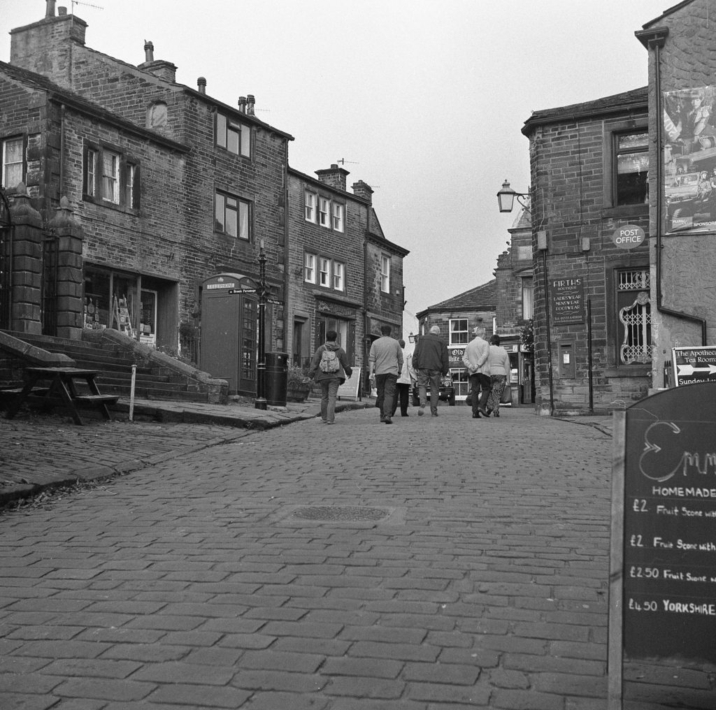 yashica 635 TLR ilford hp5 yorkshire street people village film b&w
