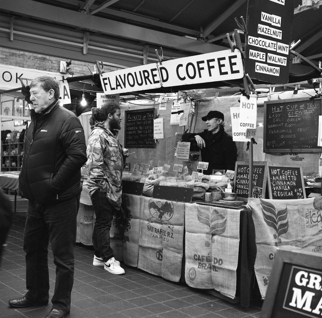 yashica 635 tlr ilford hp5 xtol greenwich market london street 120 coffee men