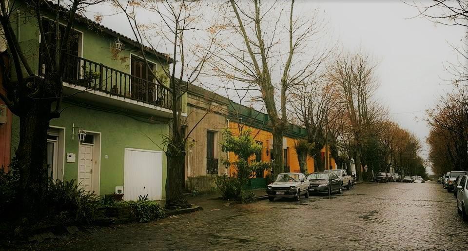 Uruguay'ın Tarihi Şehri Colonia ve Sokakları