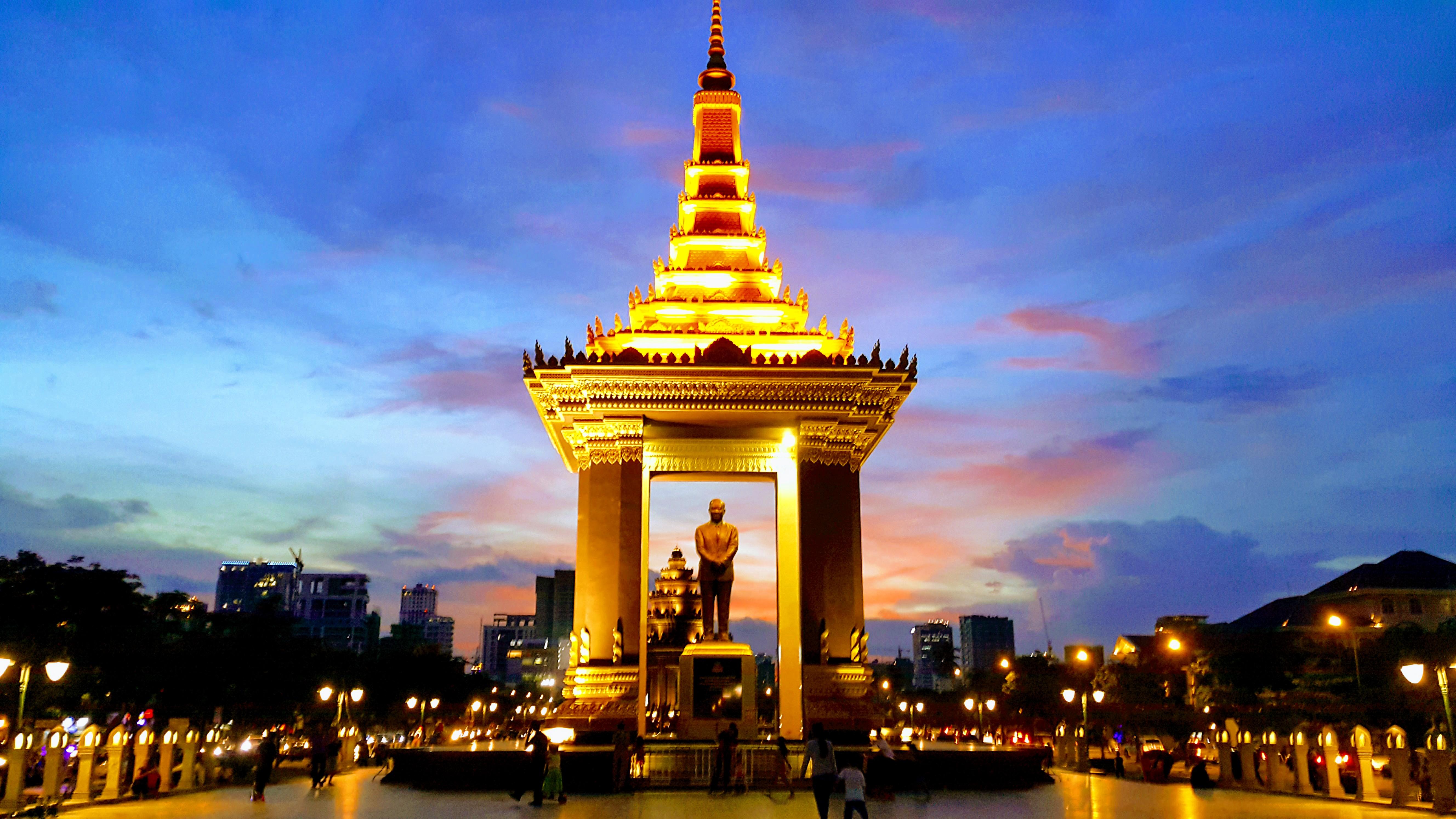 Bağımsızlık Anıtı, Phnom Penh Gezilecek Yerler Listesinde İlk Sırada