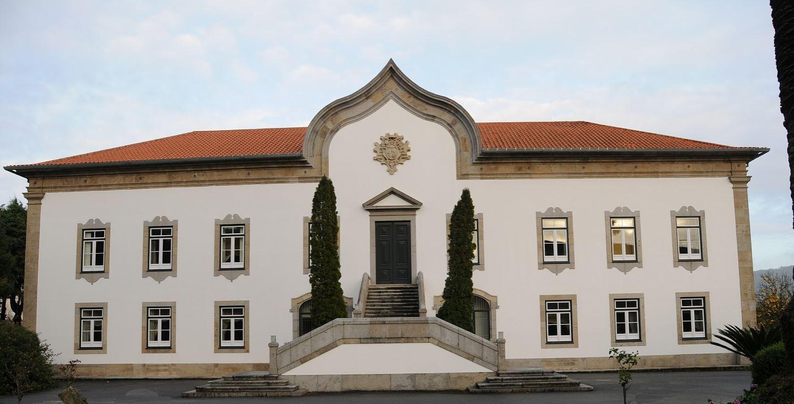 Eskiden Başpiskoposların Oturduğu Saraylar