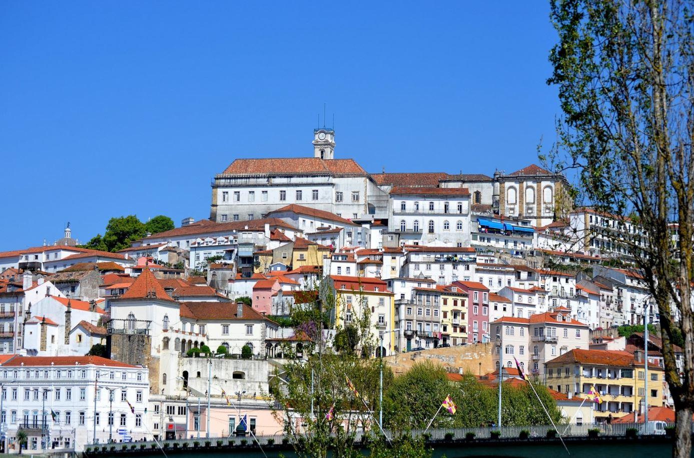Coimbra Üniversitesi ve Çevresindeki Tarihi Şehir