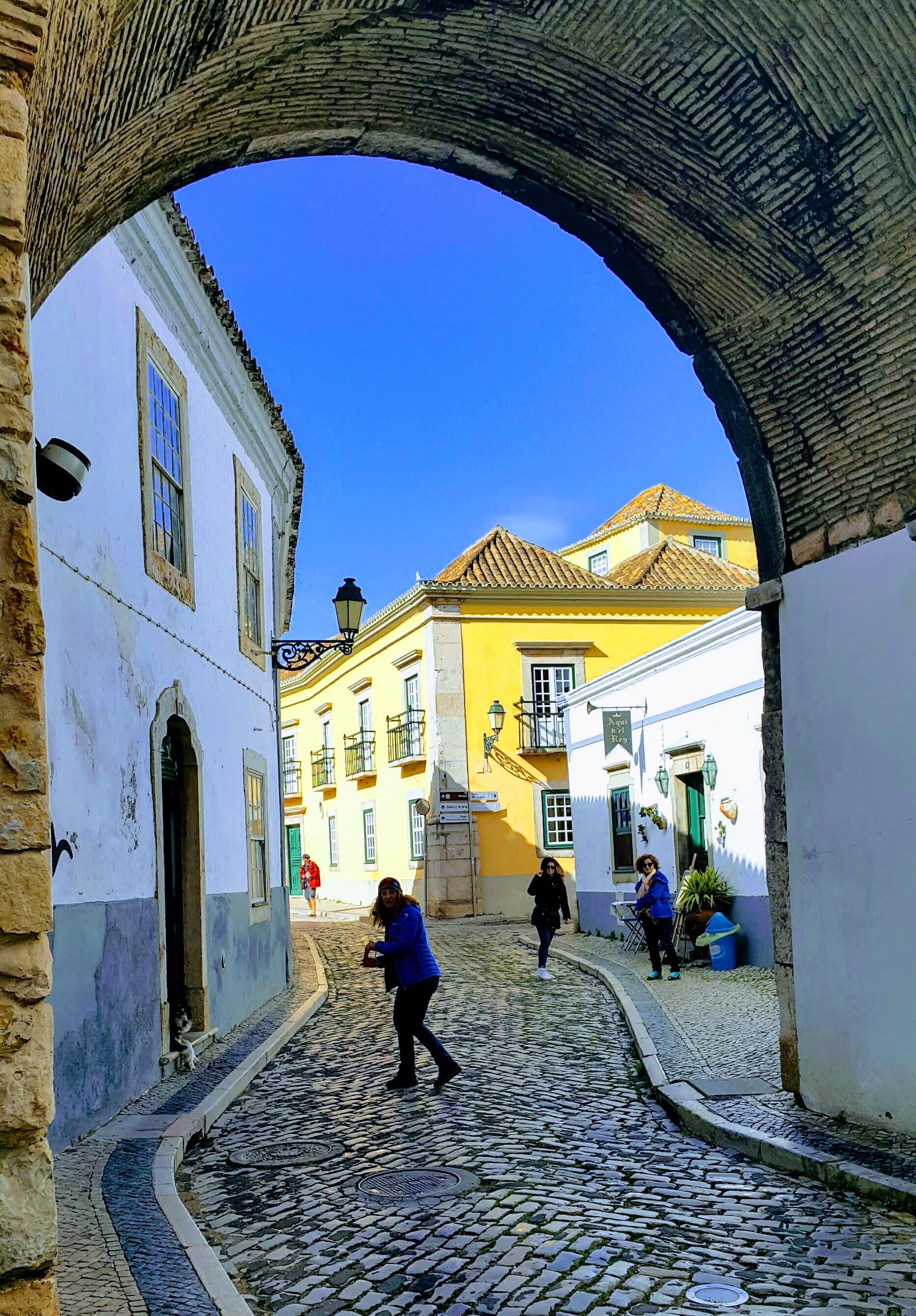 Eski Faro Şehir Merkezine Giriş