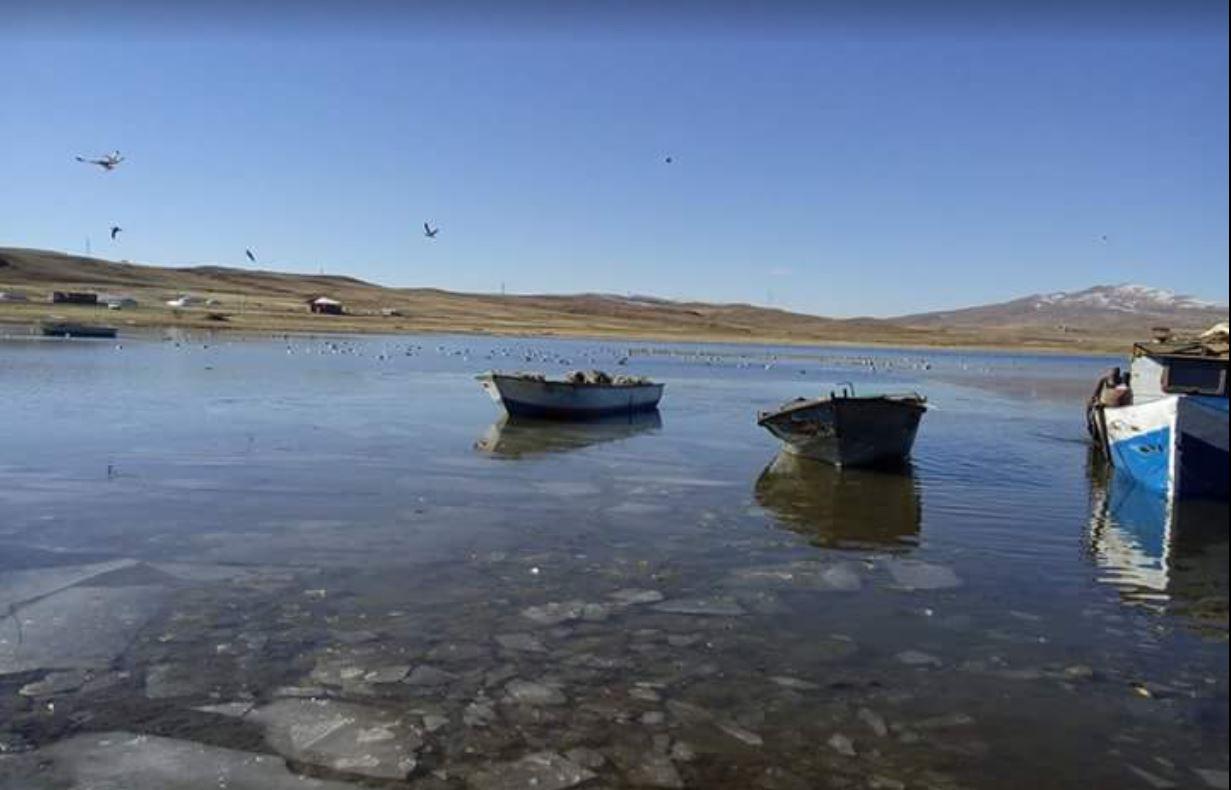Ahlat 'ta Gezilecek Yerler, Nazik Gölü